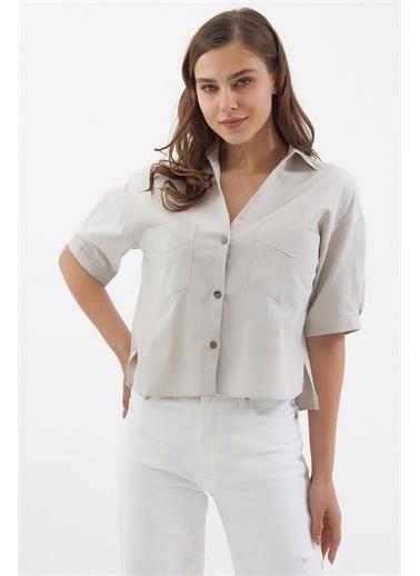 Pattaya Pattaya Kadın Cep Detaylı Basic Kısa Kollu Gömlek P21S201-2159 Renkli